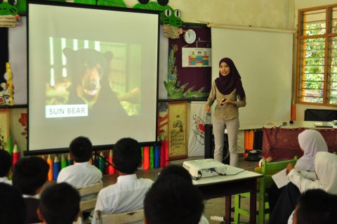 19th June 2017: SK Tundon Bohangin, Kinabatangan Sun bear talk from Ms. Risnayati.