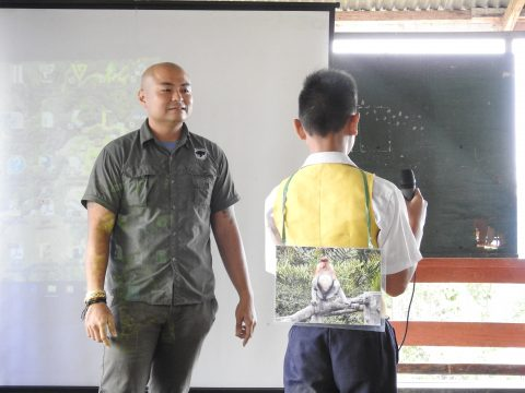Mr. Jeremy from BSBCC conducting wildlife game