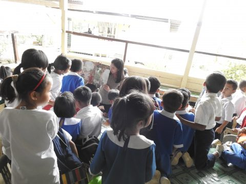 Ms Bellinda from BSBCC doing story telling session (The Wild Tree House of Borneo) for the pre school children and Primary 1 to Primary 3 students.