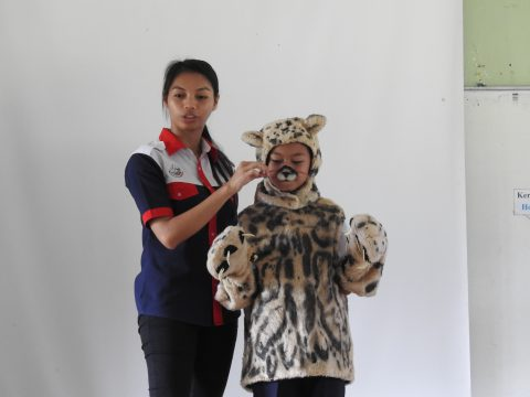 Interpretation to clouded leopard by Ms Noratika from Hutan-KOCP
