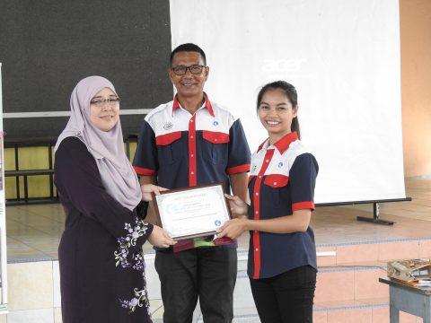 Presenting certificate of appreciation