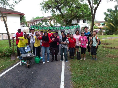SHAH ALAM TREES FOR LIFE JUNE 2013