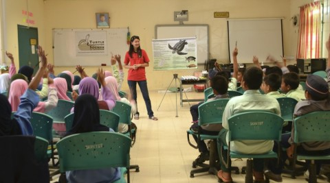 Giving a talk on turtles at a Turtle Camp