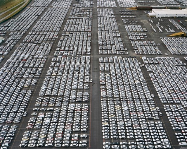 edward-burtynsky-growth-06-690x549
