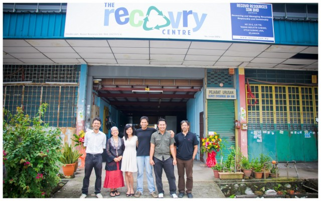 Directors and our partners at the launch of the Recovry Centre in Subang Jaya (L-R : Recovr CEO Faiz Arshad/Masai, Founder of Generating Opportunities of the Learning Disabled (GOLD) Juairiah Johari, Recovr Chairman Khairun Nisa Mohamed Zabidi, Recovr Director Chironjit Das, Recovr Director Muhammad Haziq Nasir, Principal of Counterpoint Consulting Steve McCoy