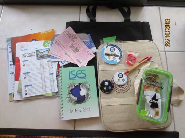 The goody-bag: Lots of literature, notebooks, a lunchbox, pen, badges, bracelet, laptop bag and AEON vouchers
