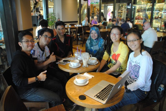A wonderful meet up of my coursemates with Leo. (photo taken by Leo)