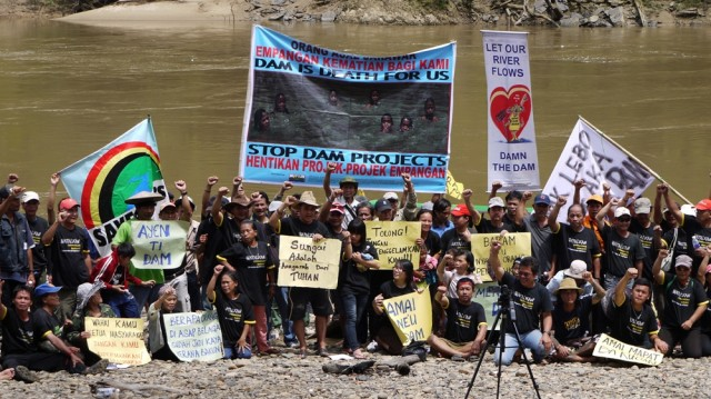 save_rivers_protest_june_2012_2