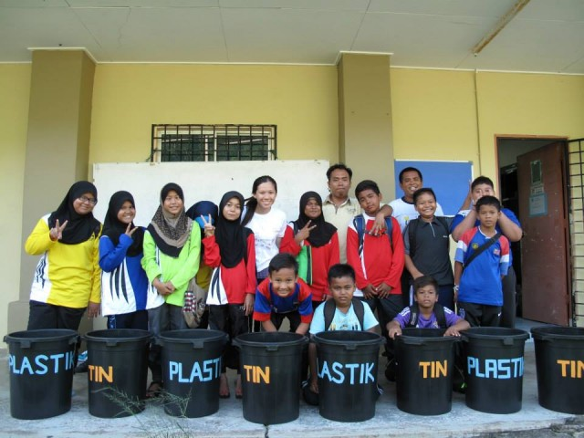bins were placed in the school to collect tin and plastic